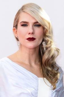 Lily Rabe.