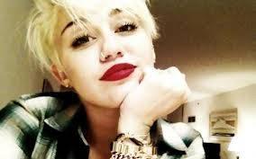 Miley Cyrus (Smilers)