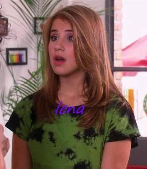 Lena (Lucía Gíl)