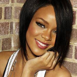 Rhianna 3era nominada / Por su cancion We Found Love