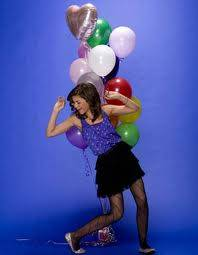 zendaya:porque se ve hermosa con globos