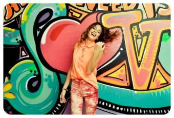 https://www.facebook.com/pages/Fans-de-Violetta/260931894032507?fref=ts