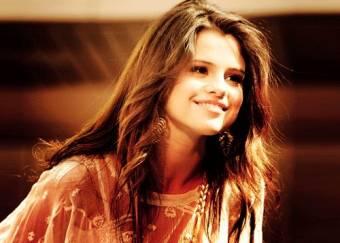 Selena Gomez (No Te Atrevas a Insultarla)