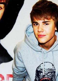 Justin Bieber ( Justin Bieber)