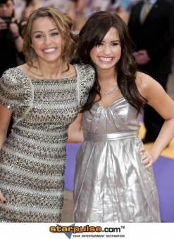 Miley Cyrus & Demi Lovato♥